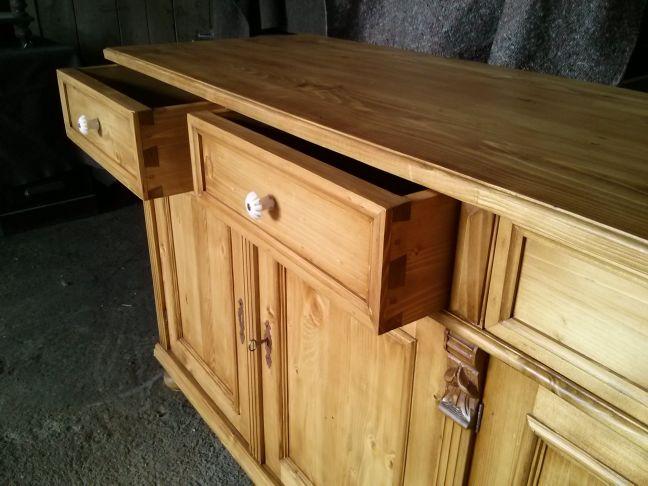 buffet enfilade pin massif en vieux bois. Black Bedroom Furniture Sets. Home Design Ideas